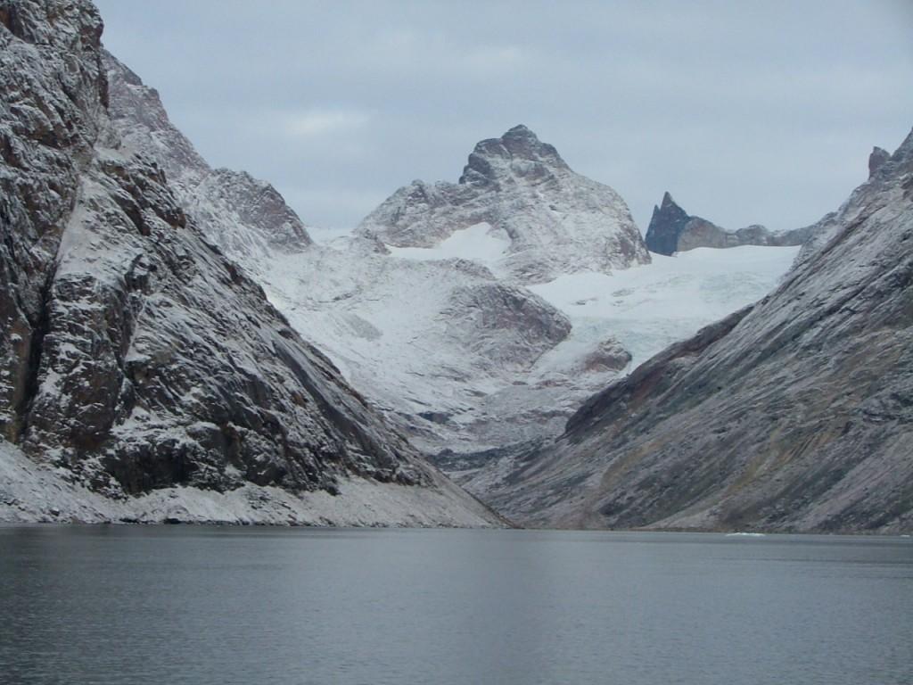 groenland_fjord_berg