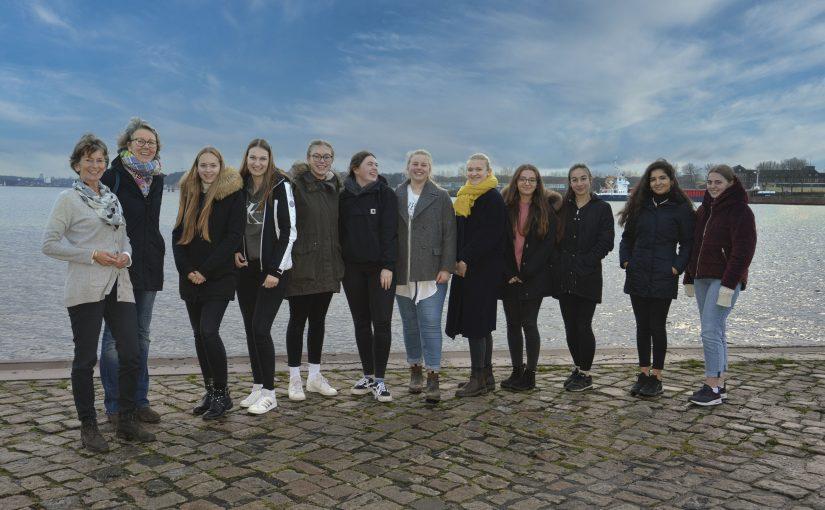 Berufsbild Unternehmerin: Schülerinnen zu Besuch am Tiessenkai