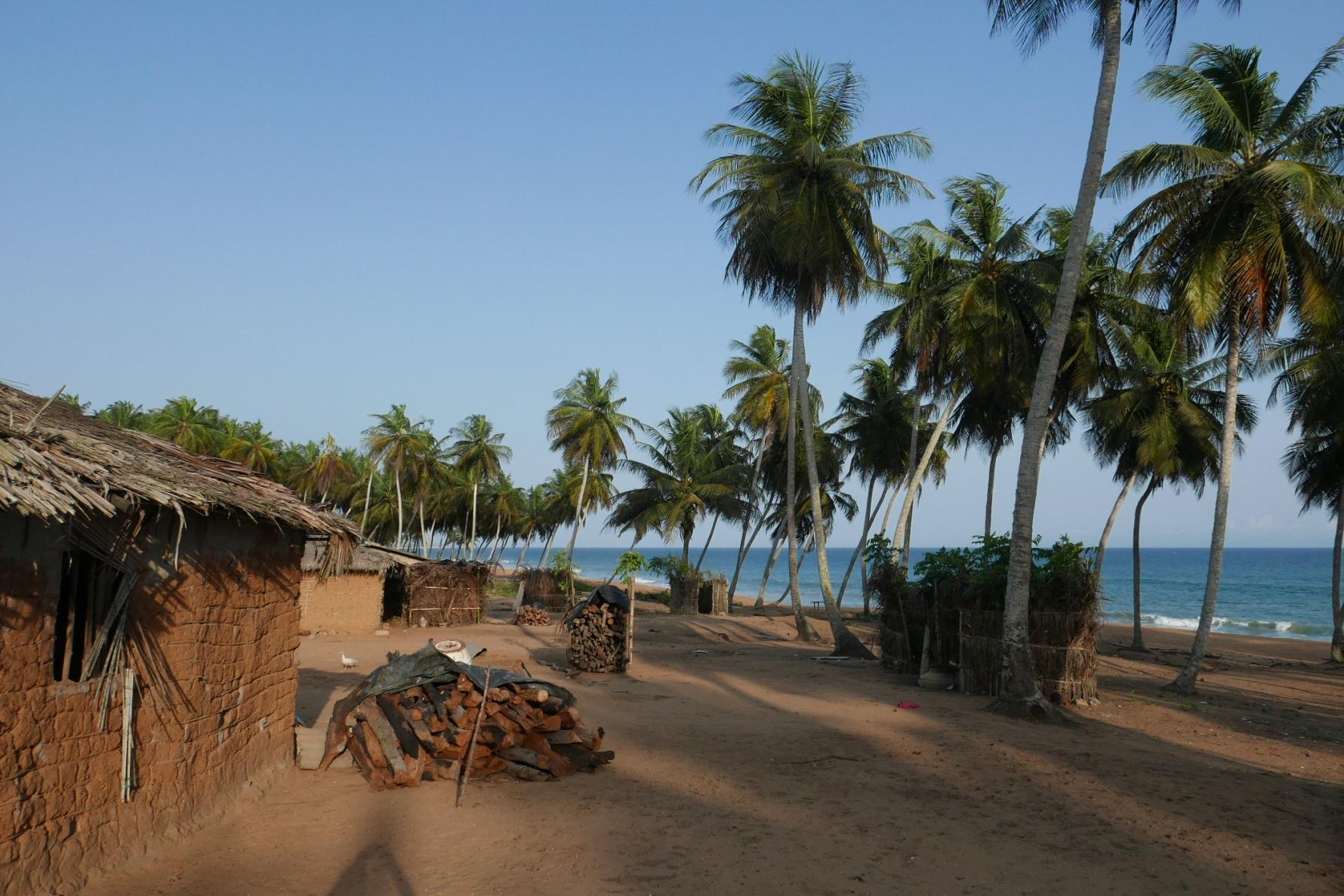 Dorf Kablake am Meeresschutzgebiet